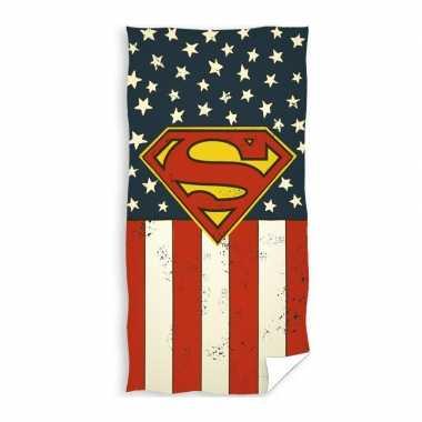 Superman badlaken/strandlaken met amerikaanse vlag 70 x 140 cm kopen